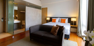 Deluxe King Room at Privato Quezon City - Pinoy Trekker